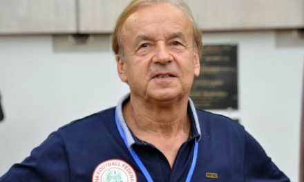 Super Eagles Boss Rohr Identifies 6 Players That Could Start 2021 AFCON Qualifier